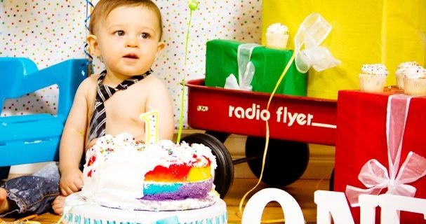 How to celebrate baby's first birthday?